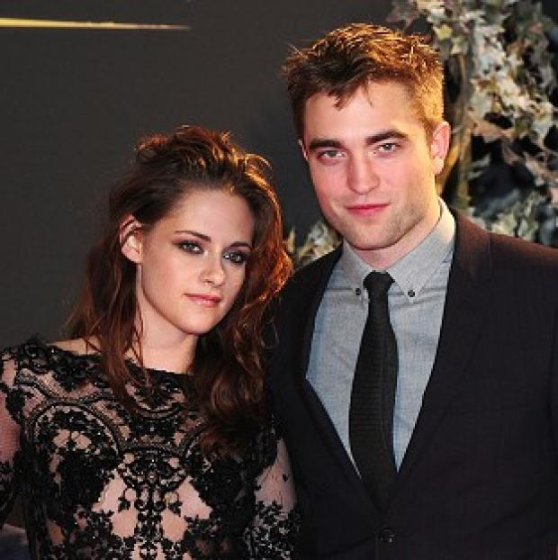 Twilight stars Kristen Stewart and Robert Pattinson are still together, according to reports