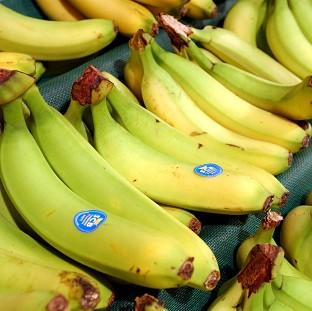 Banana company Fyffes is to merge with US rival Chiquita