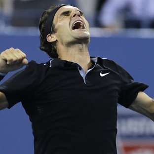 Federer fights back to make semis